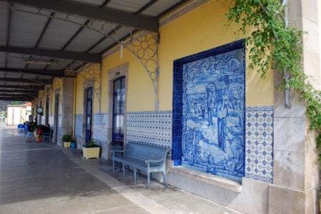 Estação de caminho-de-ferro em Portugal