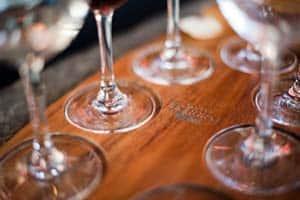 Prova de vinhos na adega Forrest, Marlborough