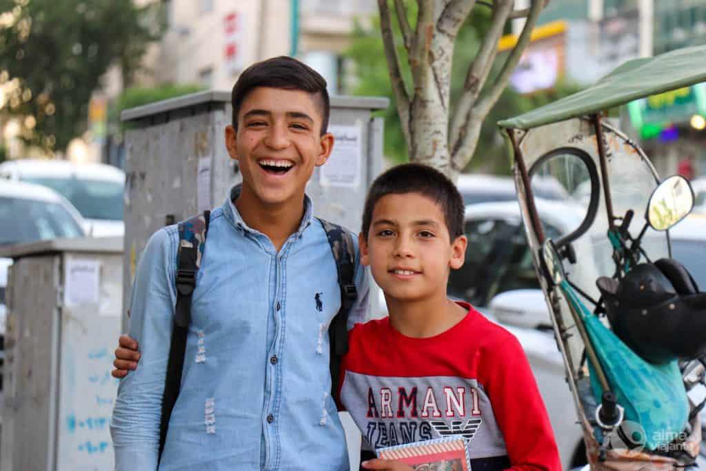 Crianças em Teerão
