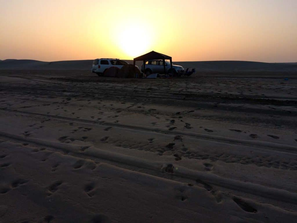 Nascer do sol no deserto de Inland Sea, Qatar