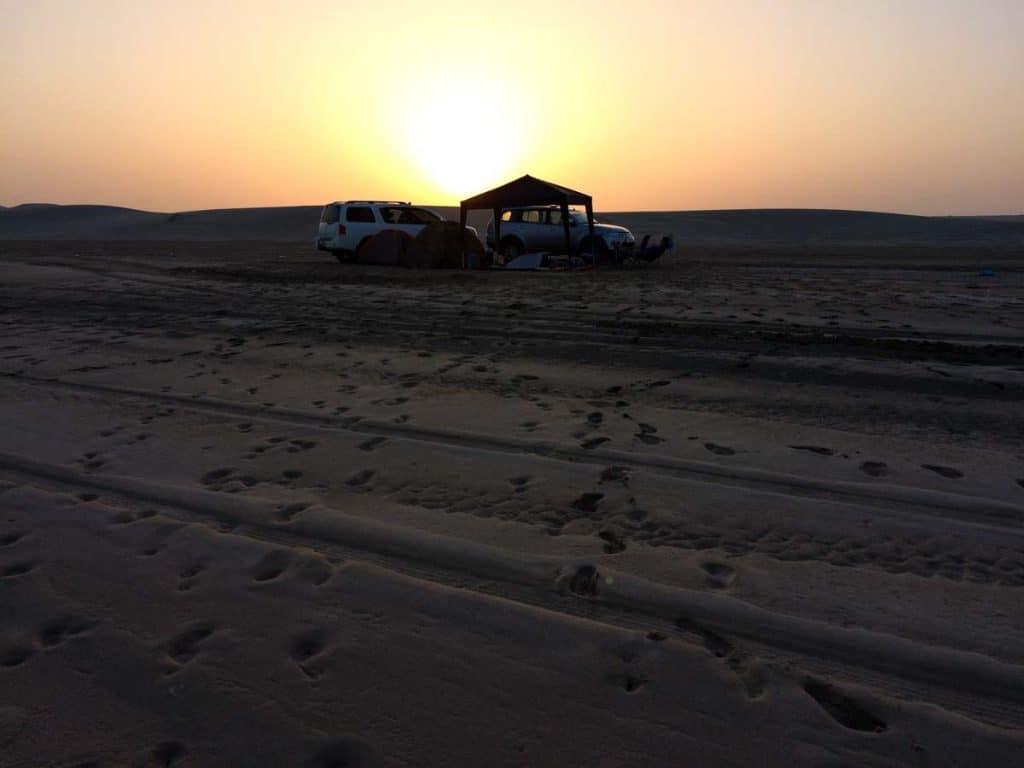 Nascer do sol no deserto de Inland Sea, Qatar