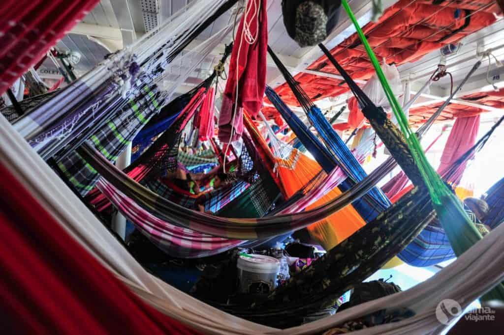 Viaggiando in una rete, sulla barca Manaus - Parintins