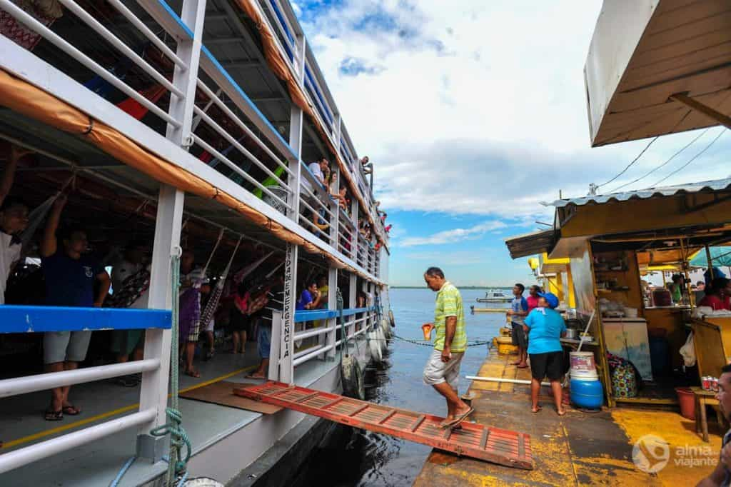Boot op de gele Balsa, Manaus