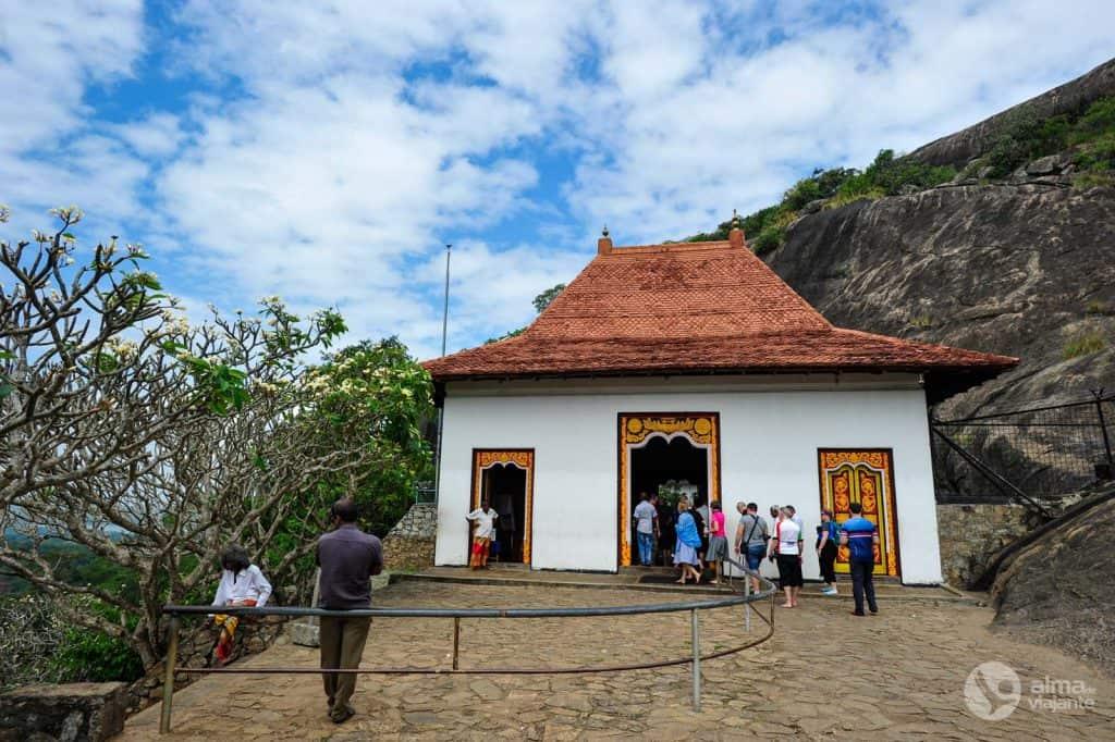 Porta de acesso às grutas de Dambulla
