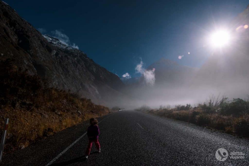 Estrada em Milford Sound