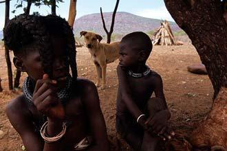 Himba þorpið nálægt Opuwo, norðvestur Namibíu