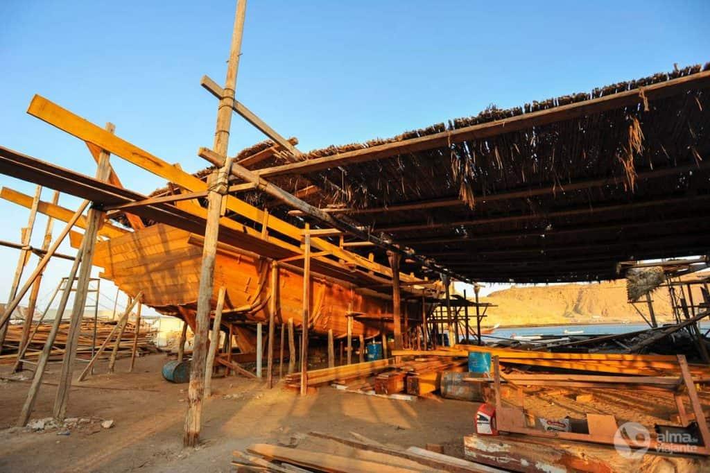 Barcos dhow em Sur, Omã
