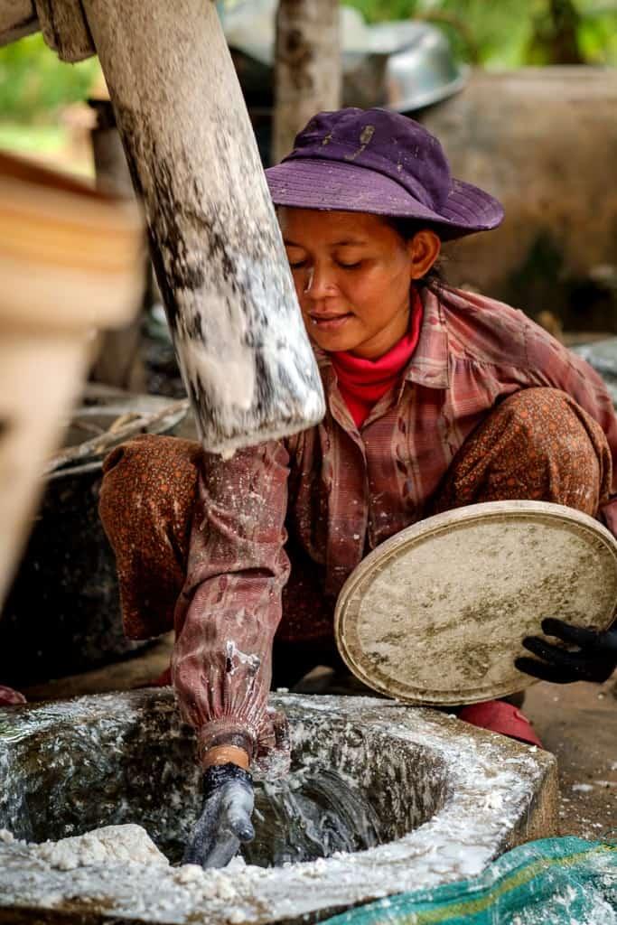 Fábrica de noodles de arroz, Camboja