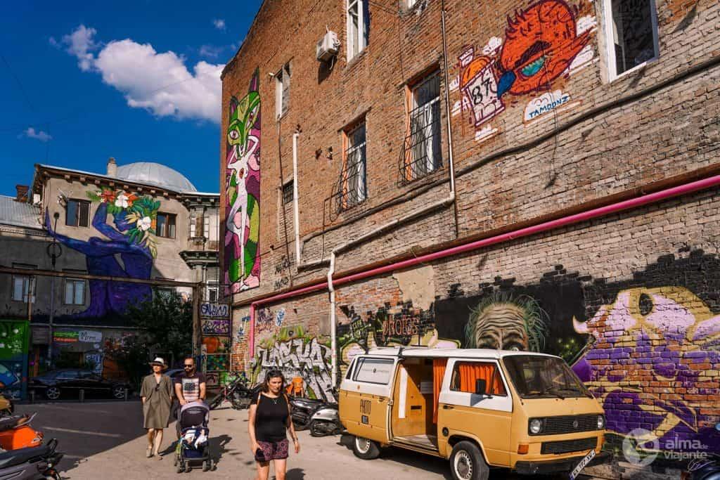 Sair à noite em Tbilisi: Fabrika