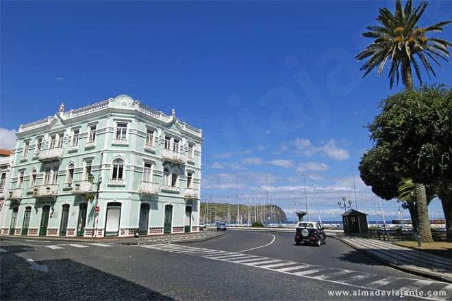 Edifício no centro da cidade da Horta, ilha do Faial