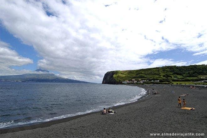 Praia do Almoxarife, no Faial