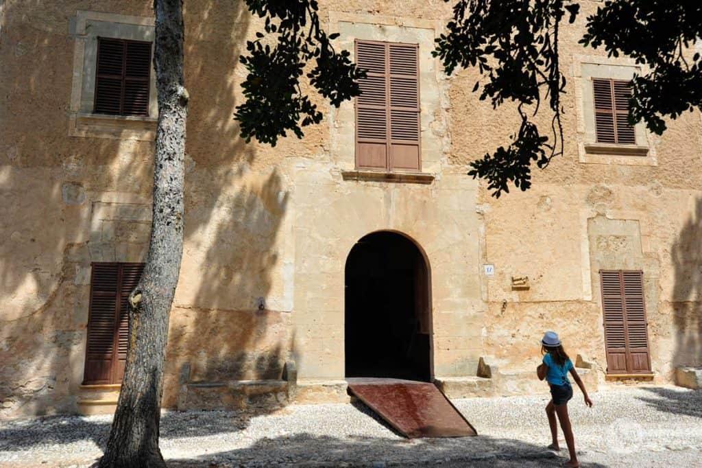 Sūnus boteris, Joan Miró