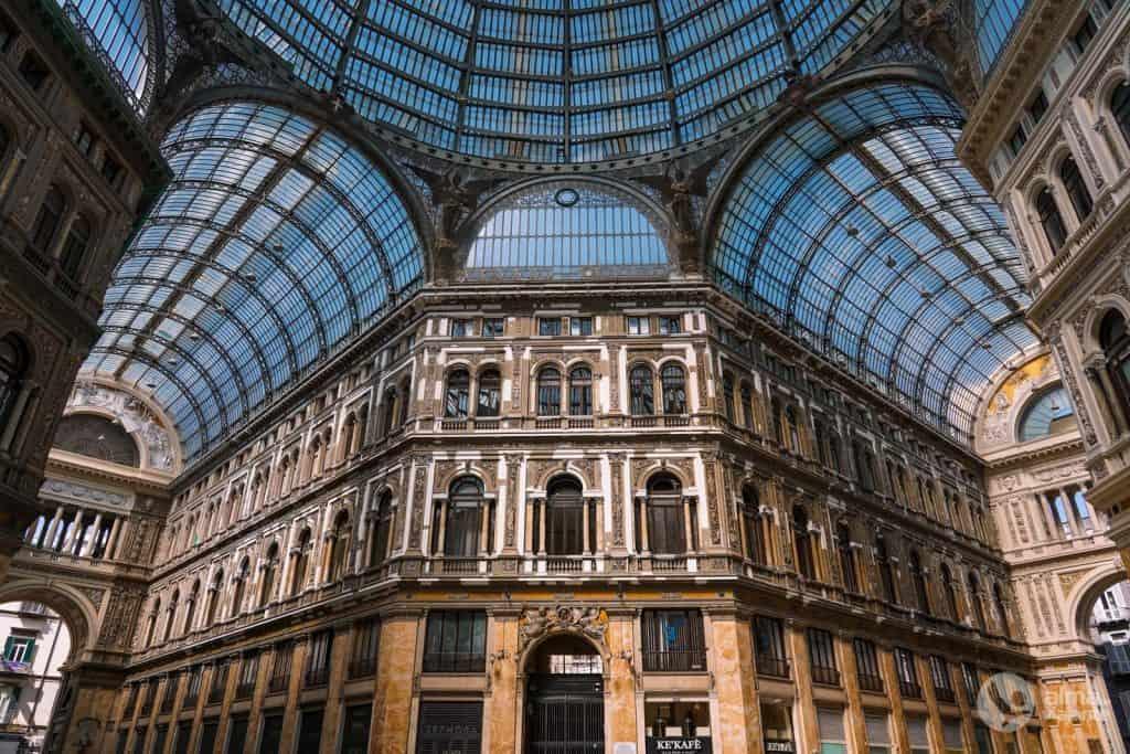 Galeria Umberto I, Nápoles