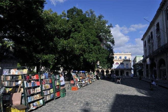 Plaza de Armas í Havana er umbreytt í fasta bókhaldsþjónustu