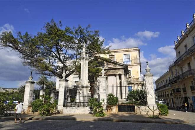 El Templete, marco onde San Cristóbal de La Habana foi fundado em 1519
