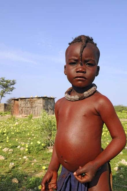Rosto de uma criança Himba, numa aldeia próxima de Opuwo