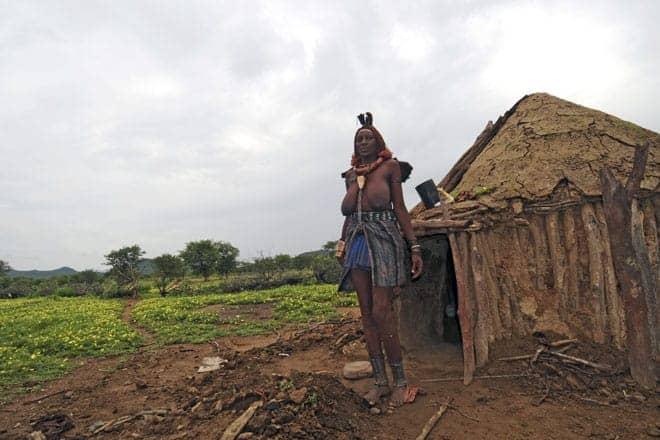 Matriarca da família Himba, aldeia no Noroeste da Namíbia