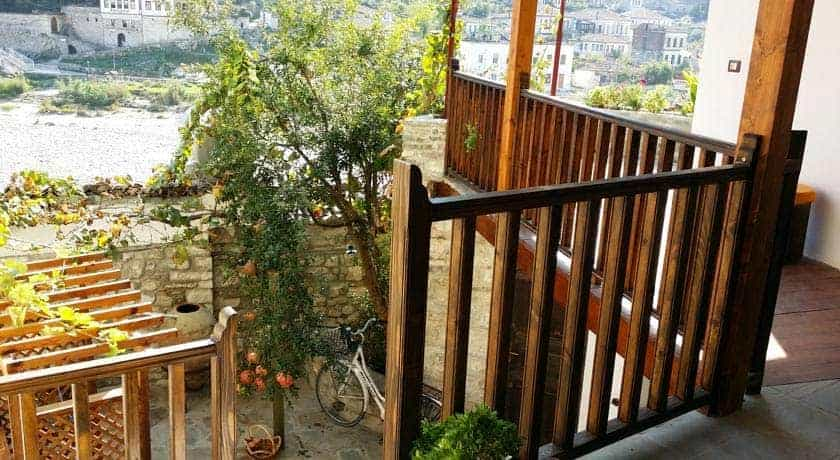 Hostel Mangalem, em Berat