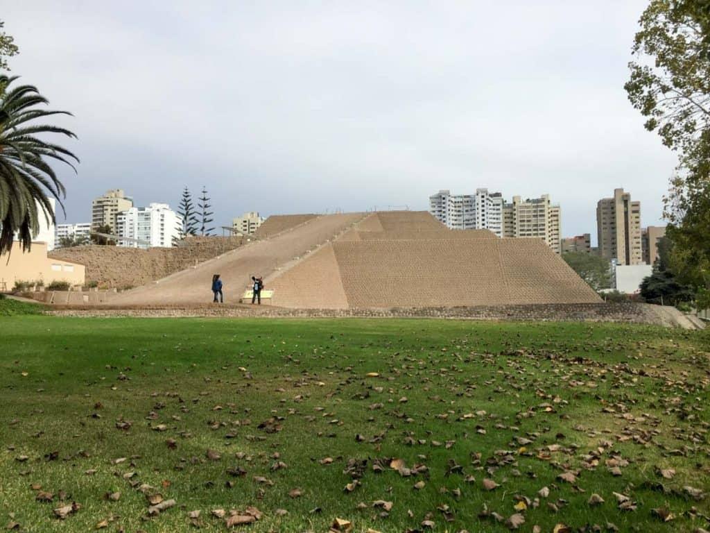 Að búa í Lima: heimsækja Huaca Huallamarca