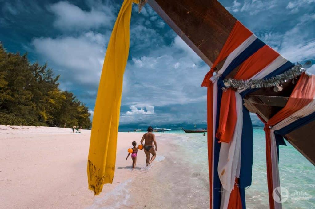 Ilha Bamboo, Phi Phi, Tailândia