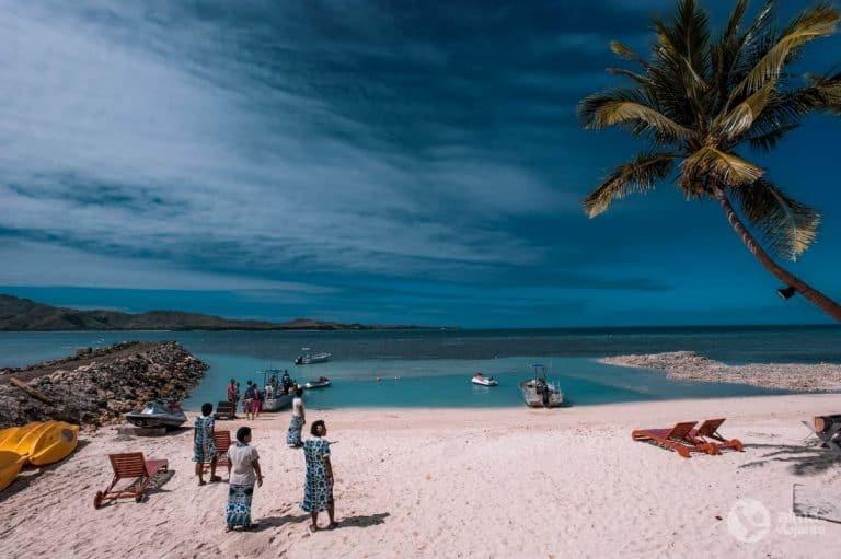Praia ilha Tavewa