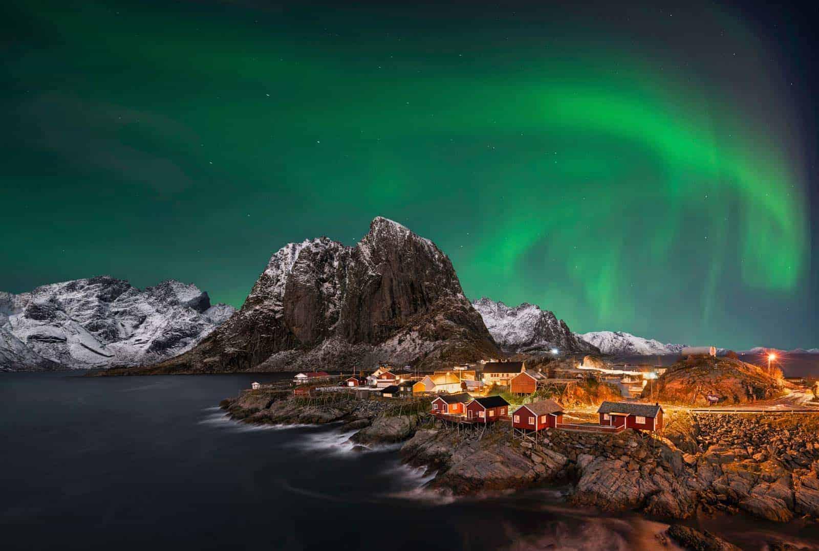 Šiaurės žiburiai Lofoteno salose, Norvegijoje