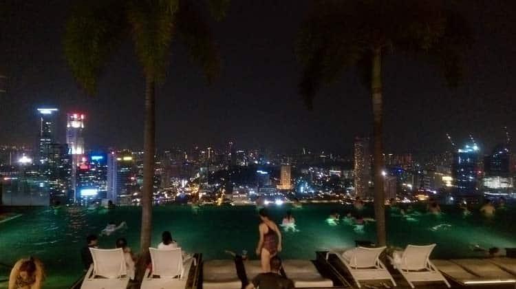 A incrível infinity pool do Marina Bay Sands