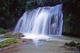 Vista das Ys Falls, Jamaica