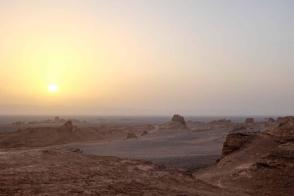 Pôr do sol nos Kaluts, Irão