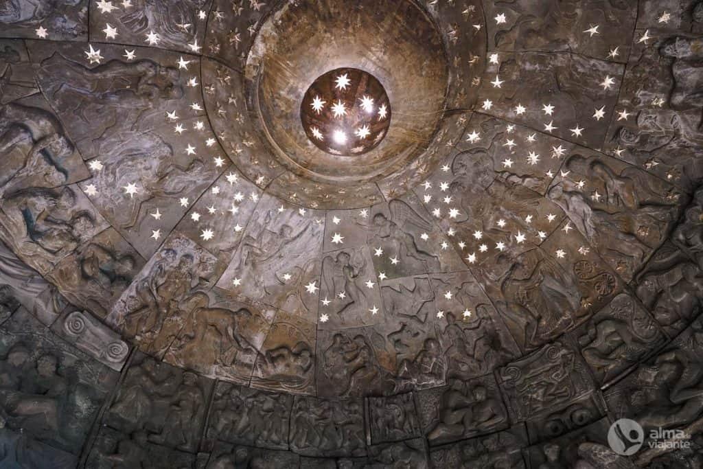 Escultura kama sutra, Tbilisi