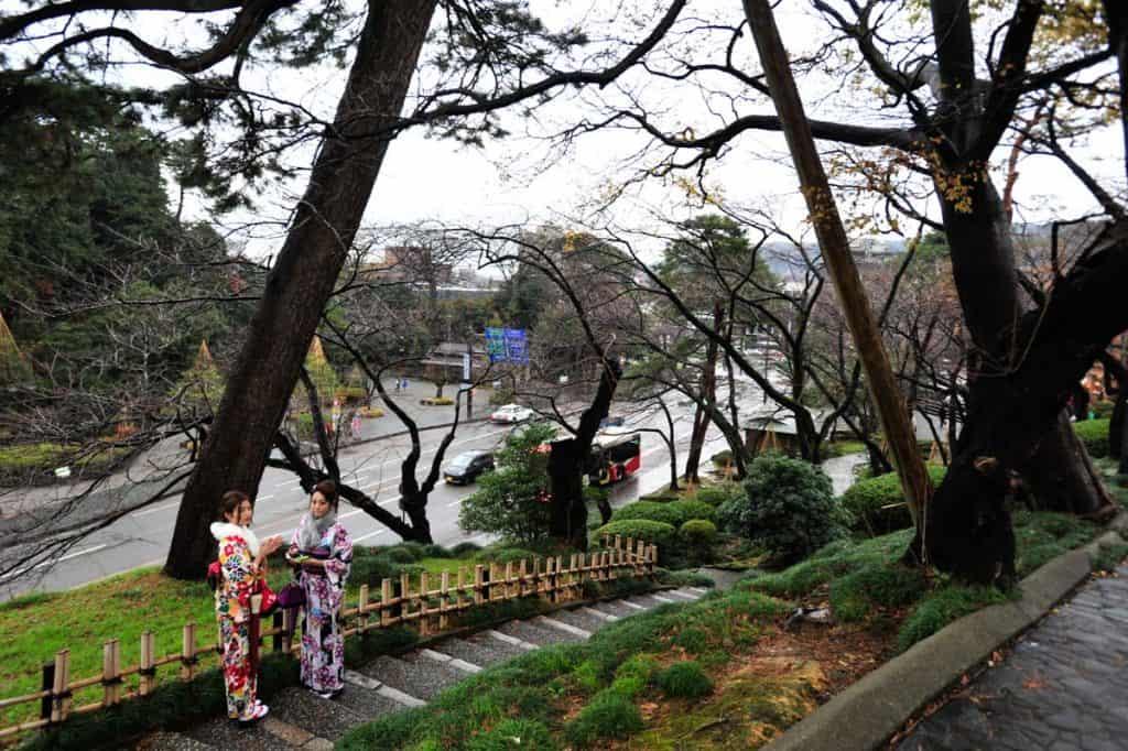 Mulheres de kimono em Kanazawa