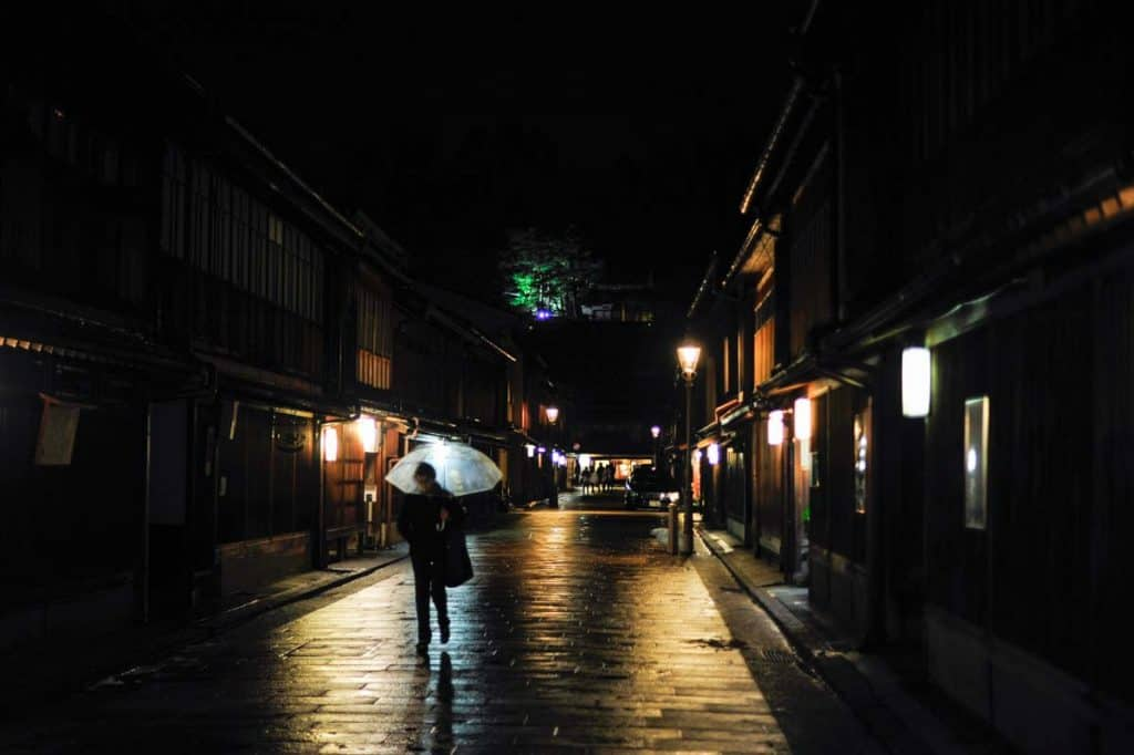 Rua principal de Higashi Chaya, o bairro das geishas de Kanazawa