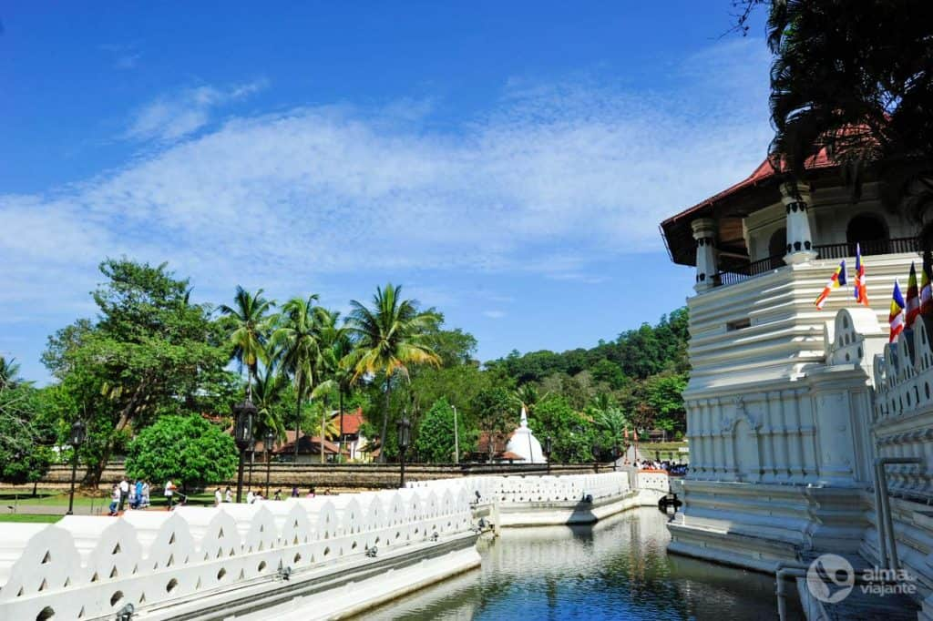 Temple of the Sacred Tand, Kandy, Sri Lanka