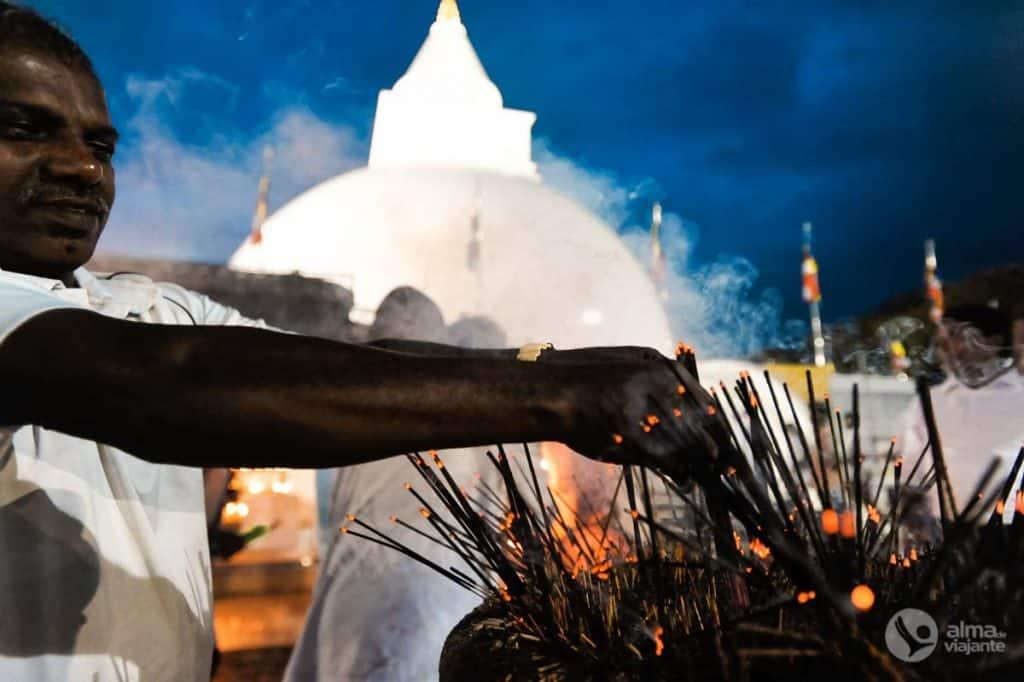 Bezoek Kataragama: zie de puja