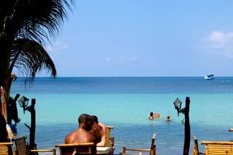Bar na plaži na otoku Koh Tao, Tajlandski zaljev
