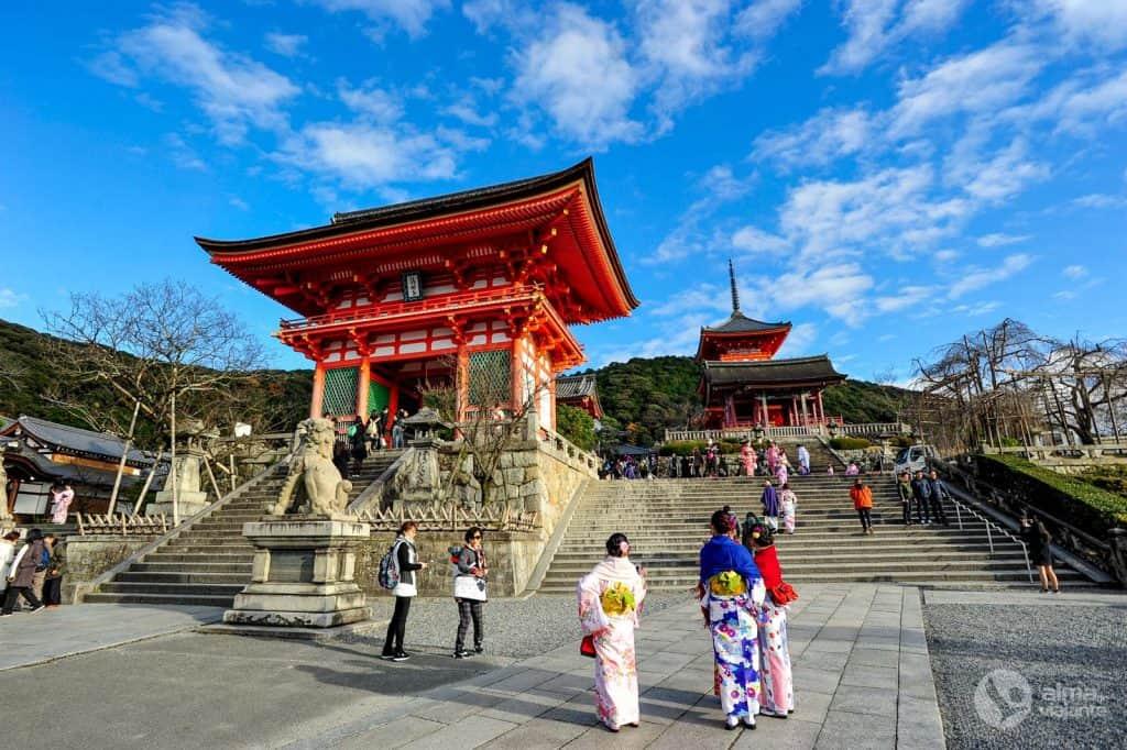 O que fazer em Kyoto: visitar o templo Kiyomizu-dera