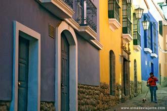 Rua do centro histórico de La Paz