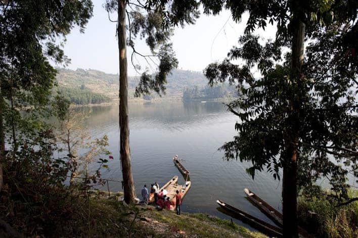 Vista do lago Bunyonyi