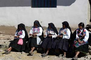 Habitantes da ilha Amantaní, lado peruano do Titicaca