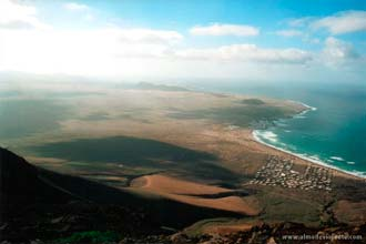 Vista sobre a praia de Famara, Lanzarote