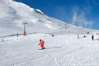 Praticando esqui em La Plagne, Alpes Franceses