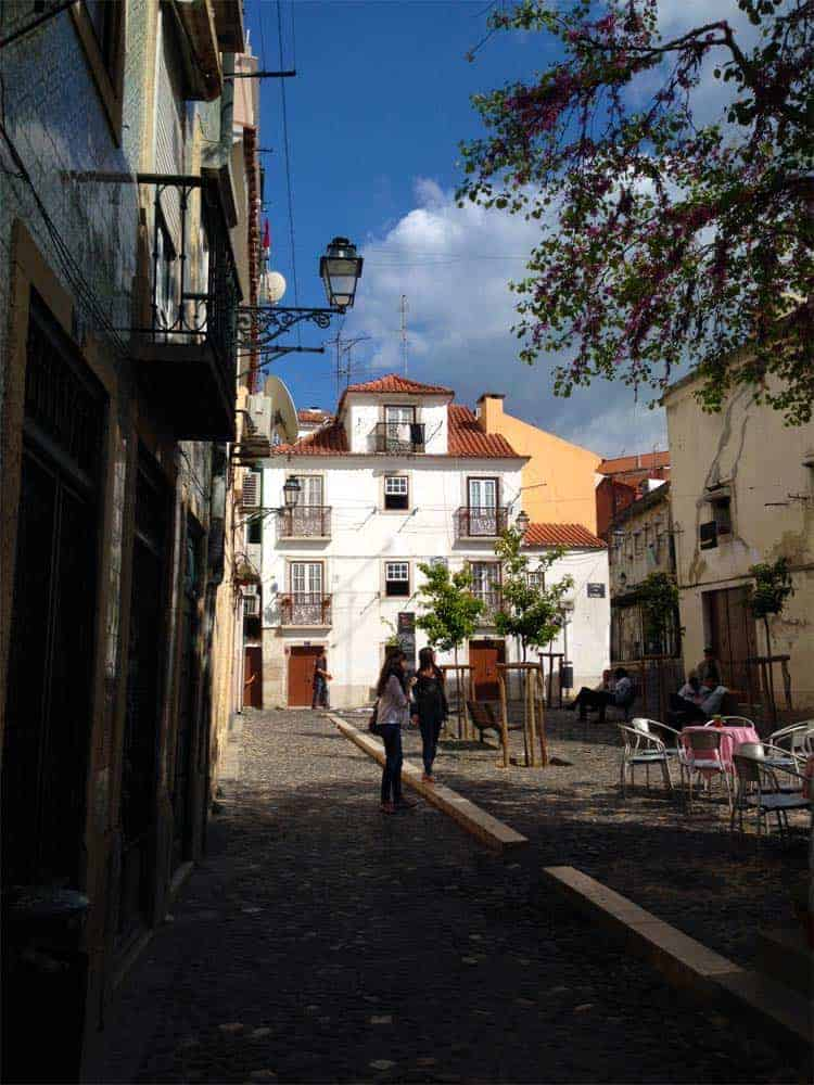 Roteiro Portugal: Largo da Severa, Mouraria, Lisboa