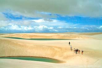 Dunas e lagoas - a magnífica paisagem do Parque Natural dos Lençóis Maranhenses, Brasil