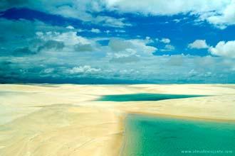 As belas lagoas dos Lençóis Maranhenses