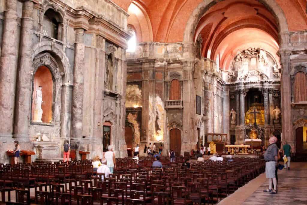 Nave central da Igreja de São Domingos, Lisboa