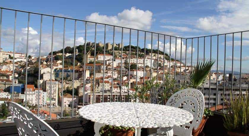 Pansion u krovovima u Lisabonu