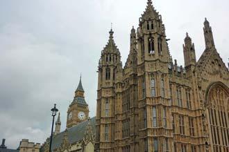 Casas do Parlamento com a Torre do Big Ben, Londres