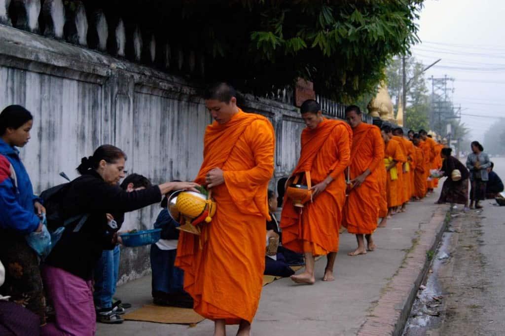 Visitar Luang Prabang: monges