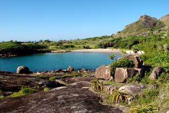 Baía próxima de Lokaro, Madagáscar