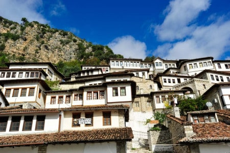 Bairro de Mangalem, em Berat, Albânia